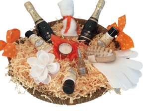 Ladies Pamper PErsonalised Champagne  Hamper