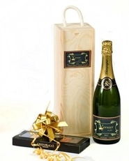 personalised-Champagne-and-Chocolate-gift