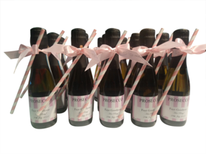 Miniature-personalised-champagne-wedding-favours