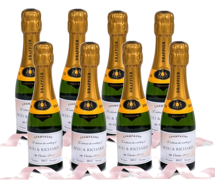 miniature-personalised-champagne-bottles-for-wedding